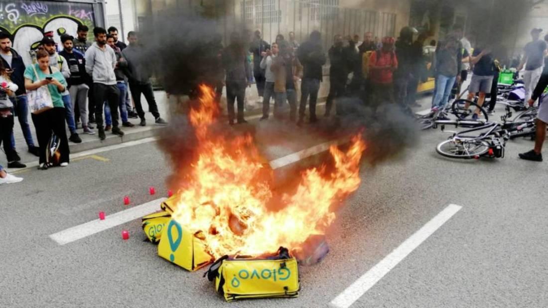 los-riders-se-manifiestan-en-barcelona-por-la-muerte-de-un-repartidor
