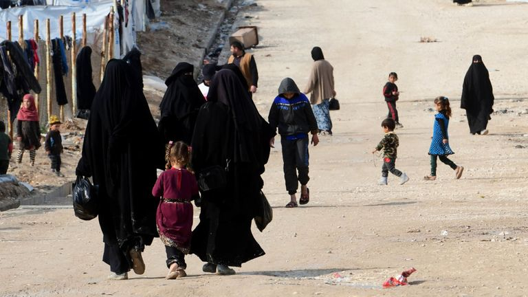 skynews-al-hol-camp-houses_4790226